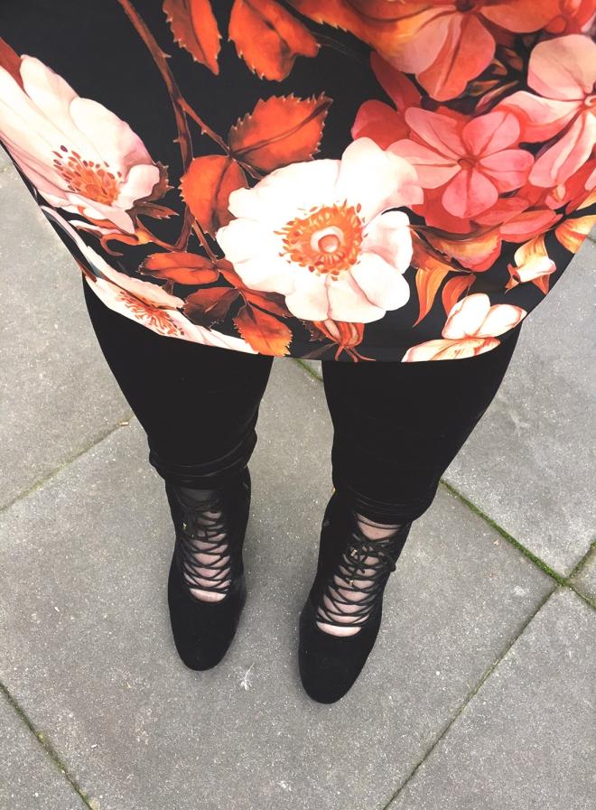 Belloya scuba flower grote maten plussize outfit curvy 10